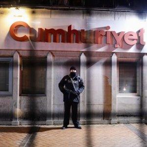 Cumhuriyet Gazetesi'ne terör operasyonu