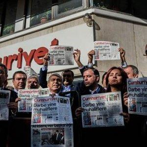 Kılıçdaroğlu'ndan Cumhuriyet'e destek ziyareti