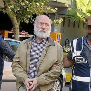 FETÖ'nün peruklu amiralı tutuklandı