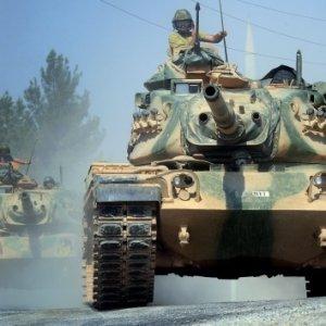 Fırat Kalkanı'nda DEAŞ ve PYD'ye bomba yağdı