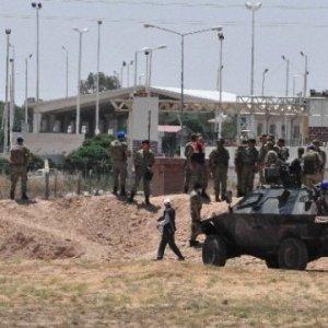 Bakan Işık ve Kara Kuvvetleri Komutanı sınırda