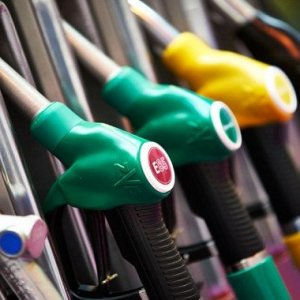 Araç sahipleri dikkat: Motorine indirim, LPG'ye zam