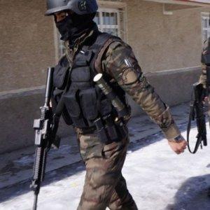 Polislik başvurularına yoğun talep