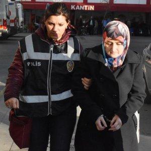 41 öğretmen gözaltına alındı