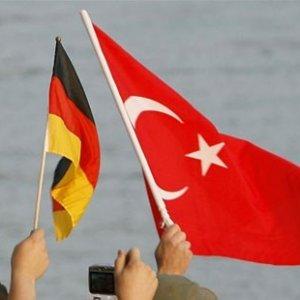 """Türkiye-Almanya arasında """"çalkantılı dönem"""""""