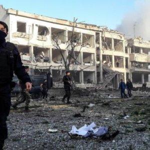 Diyarbakır'daki kanlı saldırıyı hem PKK hem de IŞİD üstlendi