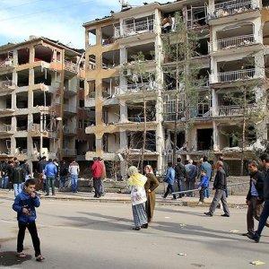 Diyarbakır'ın Bağlar ilçesi enkaza döndü