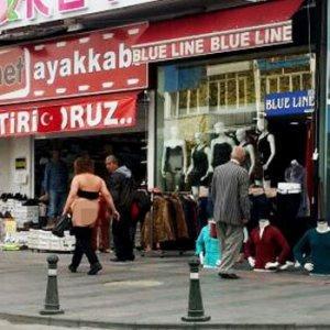 Antalya'da güpegündüz çıplak kadın şoku