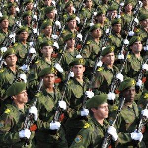 Trump başkan oldu, Küba ordusu düğmeye bastı