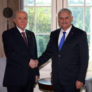 Başbakan Yıldırım ile Bahçeli Çankaya'da görüştü