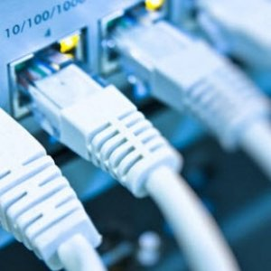 Müjdeyi Bakan verdi: İnternet ücretlerine indirim geliyor !