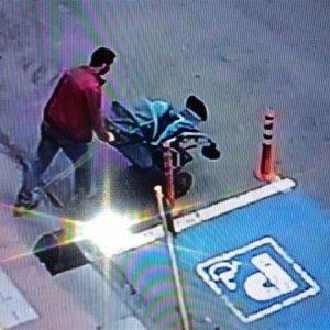 Engelli çocuğun aracını çaldı !
