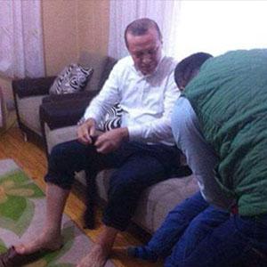 Erdoğan şehit ailesinin evinde abdest aldı