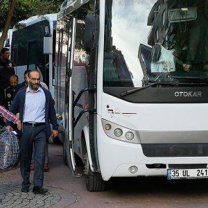 İzmir'de 76 FETÖ şüphelisi adliyeye sevk edildi