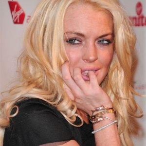 Lindsay Lohan Erdoğan'ı RT'ledi, Trump'a seslendi