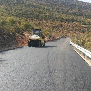 Büyükşehir asfalt çalışmaları devam ediyor