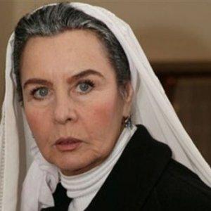 Ünlü oyuncu Fatma Girik hastaneye kaldırıldı