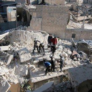 Haleplilerin üzerine Esat ve Rusya bomba yağdırıyor