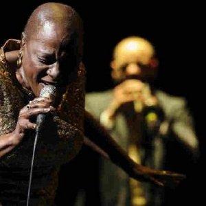 ABD'li ünlü şarkıcı yaşamını yitirdi