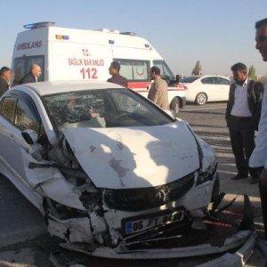 KPSS dönüşü kaza ! 1'i polis 5 yaralı