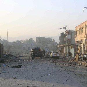 Camiye bombalı saldırı: 27 ölü, 35 yaralı