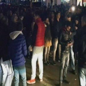 İstanbul'un göbeğinde caddeyi kapattılar