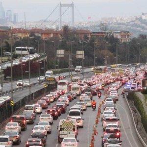 15 Temmuz Şehitler Köprüsü'nde feci kaza ! Trafik kilitlendi