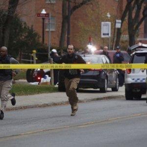 Üniversitede saldırı ! Üzerlerine araç sürüp ateş açtı