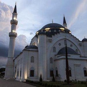 Camilere tehdit, Müslümanlara hakaret mektubu yağıyor !