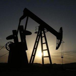 Petrol yükseliyor darbe liraya iniyor