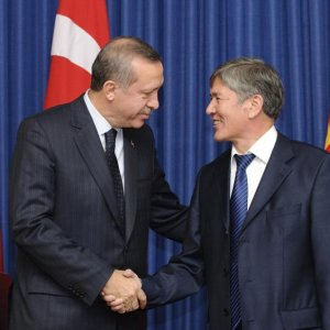 Kırgızistan Cumhurbaşkanı: Gülen okullarını kapatmıyoruz