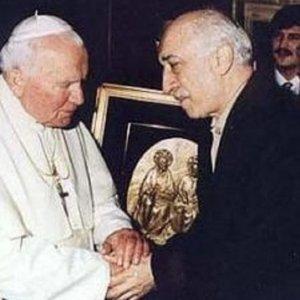 Gülen ve Papa'yı kim görüştürdü?