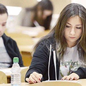 Üniversitede en çok hangi bölümler tercih edildi ?