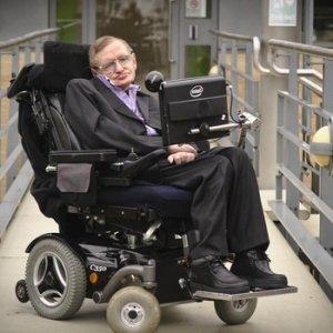 Stephen Hawking'ten kötü haber; hastaneye kaldırıldı