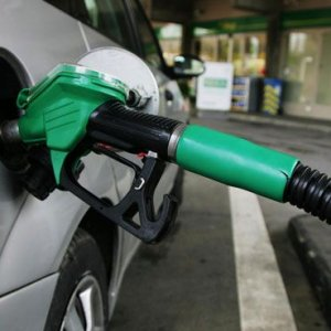 Benzine 14-15 kuruş zam yolda