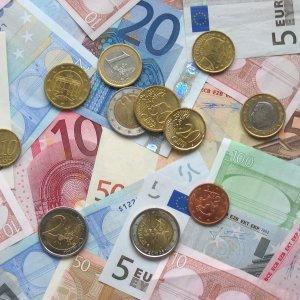 Referandum sonucu euroyu vurdu !