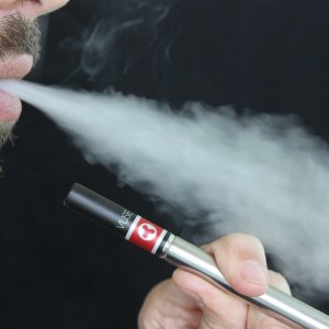 Aman dikkat ! Elektronik sigara tuzağına düşmeyin !