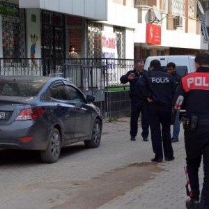 Kan lekeleri polisi harekete geçirdi