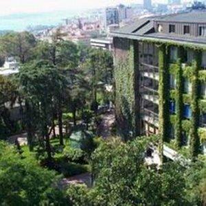 YTÜ'de 14 akademisyen FETÖ'den tutuklandı