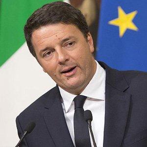 İtalya'da Başbakan Renzi İstifa Etti