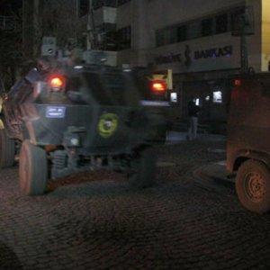 Diyarbakır'da çatışma: 1 terörist ölü