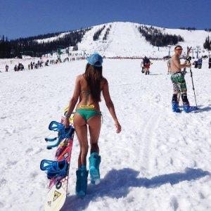Rusya'nın ''çılgın'' kayak merkezi görüntülendi