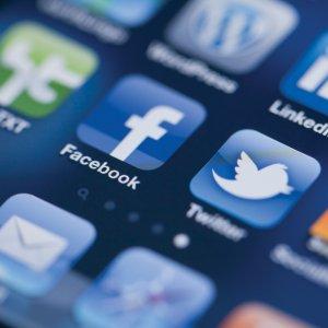 Savcılar 45 bin sosyal medya kullanıcısının peşinde