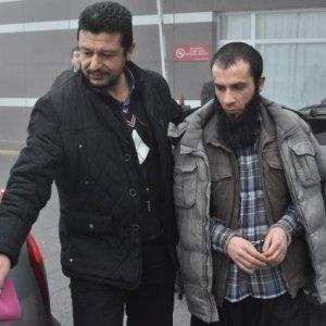 DEAŞ'ın sosyal medyacıları gözaltında