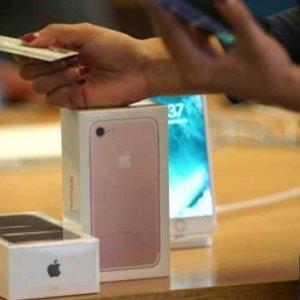 iPhone'lara beklenen zam geldi