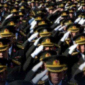 TSK'da FETÖ operasyonu: 95 asker yakalandı