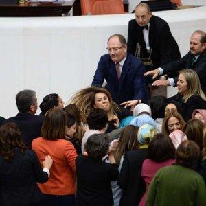 HDP'li ve AK Partili kadın vekiller birbirine girdi