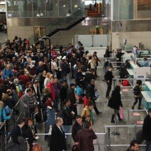Atatürk Havalimanı doldu taştı !