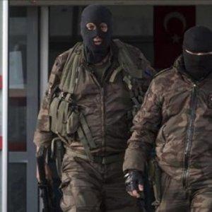 İstanbul'daki saldırılarla ilgili 5 gözaltı