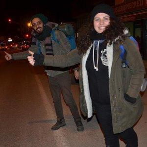 'Rotasız gezginler' otostop yaparak Türkiye'yi gezecek